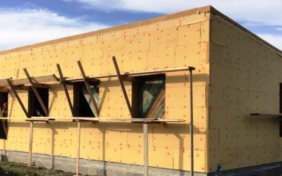 Dřevostavba izolovaná Pavatexem stavěná svépomocí